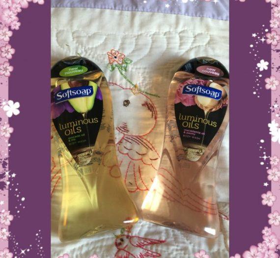 Luminous Oils Body Wash by Softsoap